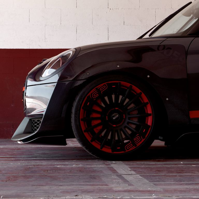 MINI John Cooper Works GP Concept – side view/wheel